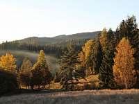 Podzim v údolí - chalupa k pronájmu Šindelová