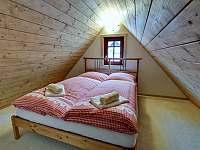 Podkrovní spaní z ložnice č.2 - chalupa k pronájmu Abertamy