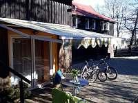 Ideální poloha pro turistiku a cyklistiku - chalupa k pronájmu Loučná pod Klínovcem - Háj