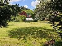Zahrada - rekreační dům k pronajmutí Merklín