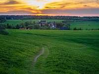 Okolí chalupy, pohled na Nové město - k pronájmu Moldava - Nové Město