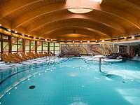 Bazén-hotel Nástup 7km