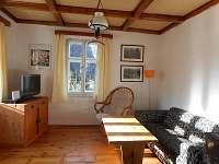 obývací místnost - pronájem chalupy Nové Hamry