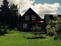 zahrada - chalupa ubytování Nové Hamry
