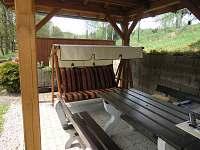 altánek-houpací lavice