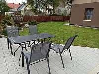 Zahradní posezení I. s grilem - Měděnec