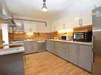 -přízemí-kuchyň - chalupa ubytování Kovářská