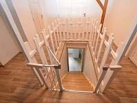 2.patro-schodiště - Kovářská