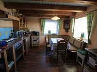 Kuchyně v přízemí - Hřebečná