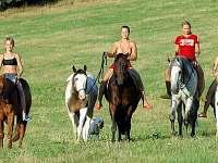 jízdy na koních v přírodě