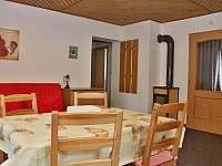 Apartmán č. 1 - obývací pokoj s kuchyní - chalupa k pronajmutí Loučná pod Klínovcem - Háj