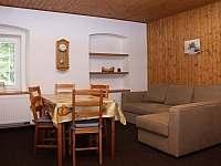 Apartmán č.3 - obývací pokoj - chalupa k pronájmu Loučná pod Klínovcem - Háj