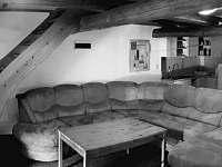 Apartmán č. 7 - obývací pokoj s kuchyní - chalupa k pronájmu Loučná pod Klínovcem - Háj