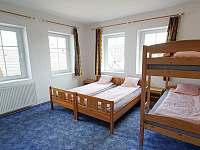 1. patro - pokoj pro 4 osoby - chalupa k pronajmutí Abertamy