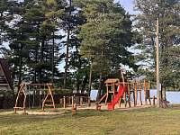 Dětské hřiště Velký Rybník - pronájem apartmánu Hroznětín