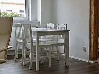 Jídelní stůl č.1 - Hroznětín