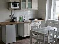 Kuchyňský kout s jídelní stolem č.3 - Hroznětín