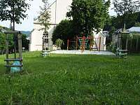 Dětské hřiště 30m od ubytování - apartmán ubytování Jáchymov