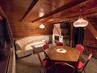 Obývák jídelna - chata ubytování Loučná pod Klínovcem - Háj