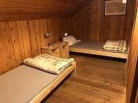 Ložnice 2 průchozí - pronájem chaty Horní Podluží