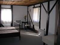 Jeden ze 4 pokojů.