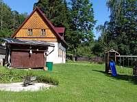 Pohled na Bajeračku z boku - chalupa k pronájmu Horní Prysk