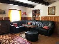 Obývací prostor - chalupa k pronajmutí Jitrava