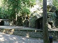 Lesní divadlo Sloup. -