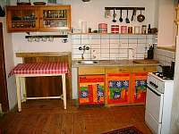 Kuchyň - chalupa k pronajmutí Hoření Paseky