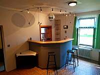 Bar + okénko do kuchyně