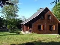 Pohled na vchod a sezení - chata k pronajmutí Jiřetín pod Jedlovou - Rozhled