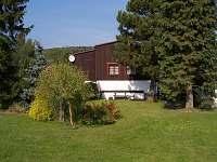 Pohled ze zahrady - chalupa ubytování Dolní podluží