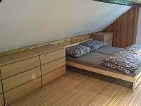 Chalupa pro děti - roubenka pokoj č.1 - 6 lůžek 3
