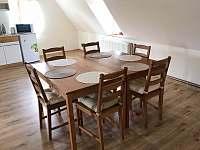 Podkrovní apartmán č. 8 - chalupa k pronajmutí Sloup v Čechách
