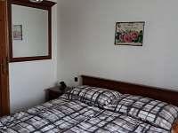 1. ložnice s manželskou postelí