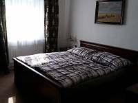 2. ložnice s manželskou postelí