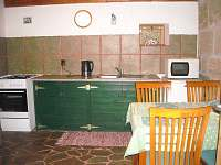 kuchyň - pronájem chalupy Mařenice