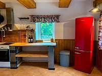 Kuchyň - chalupa k pronajmutí Heřmanice v Podještědí