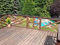 Prostorná terasa - Rynoltice
