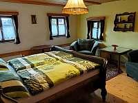 Žlutý dvou lůžkový pokoj, nejčastěji pro rodiče - Rynoltice