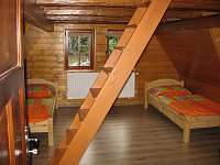 1.pokoj v patře - pronájem chaty Jiřetín pod Jedlovou