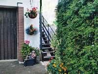 samostatný vchod pro hosty