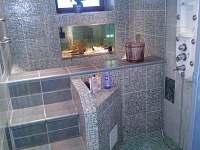 Koepelna přízemí-bazének k sauně