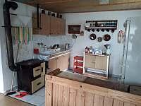 Kuchyně - chalupa k pronájmu Zdislava