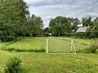 fotbalové hřiště na zahradě - Jítrava