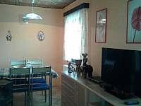 Obývací pokoj + jídelní kout