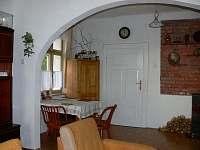 Kuchyně - jídelní kout - chata k pronajmutí Velká Černoc