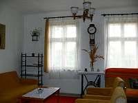Obývací pokoj - chata k pronájmu Velká Černoc