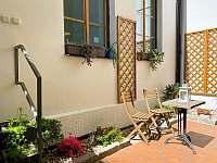 Celkový pohled ze zahrady - rekreační dům ubytování Praha - Malá Strana