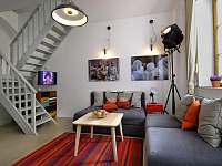 Obývací část - rekreační dům k pronajmutí Praha - Malá Strana
